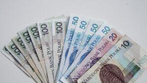 jak zainteresować dziecko pieniędzmi